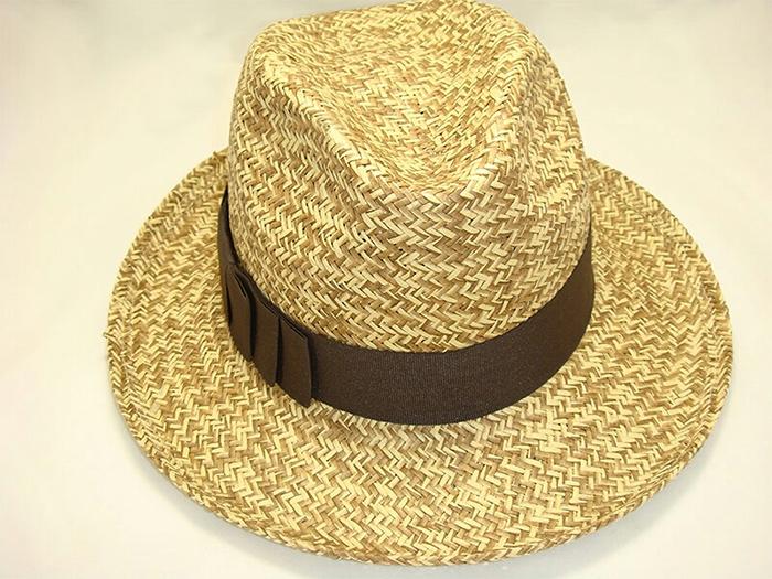 tonos de su sombrero